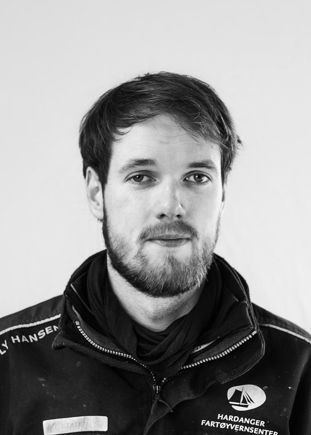 Erik S Apelthun